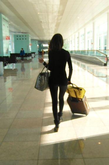 chica en el aeropuerto, tejetintas, tejetintas blog, impulsividad, ser impulsivo, dejarse llevar por impulsos, blog literario, reflexiones